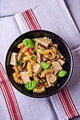 Spiral pasta with tofu and vegetables