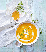Carrot and yoghurt soup (low carb)