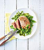 Thunfisch mit lauwarmem geminztem Gemüse (Low Carb)