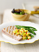 Griddled tuna with pineapple