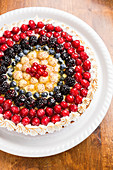 Berry cake with meringue dots