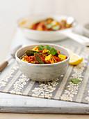 Okra-Curry mit Tomaten und Koriandergrün