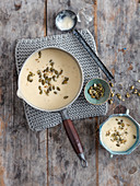 Roasted celeriac soup with apple and fennel (low carb, vegan)