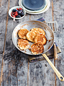 Ricotta pancake with berries (low carb)