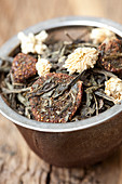 Green pot pourri (close-up)