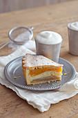 Ein Stück Birnenkuchen Lyoner Art
