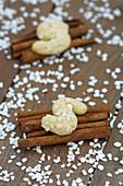 Sugar nib biscuits on cinnamon sticks
