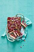 Kuchenschnitten mit Lokum und Schokocreme