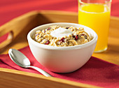 Oatmeal with cranberry and almond