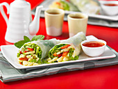 Reispapierrollen mit Ei-Avocado-Salat