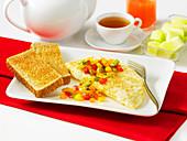 Eiweiss-Omelett mit Gemüse und Toast