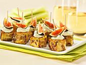 Appetizer mit frischen Feigen