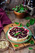 Rote-Bete-Pie mit Ziegenkäse und Pinienkernen