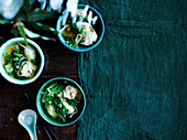 Wan-Tan-Suppe mit Garnelen (China)