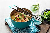Schnelle einfache Laksa-Suppe (Asien)