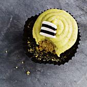 Licorice and pistachio cupcakes