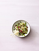 Kohlrabi pasta with beans and cranberries