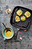 Zucchini-Ravioli mit Hähnchen-Spinat-Füllung
