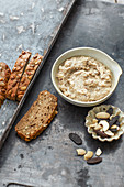 Vegan cashew and tonka bean spread