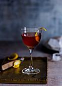 Cocktail mit Vermouth und Lagavulin (Baxter Inn, Sidney)