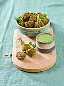 Vegetable and tofu balls with a herb chutney