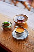 Cafe Crema und Dessert