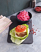 Skinny burger with pink coleslaw (low carb)
