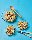 Nizza-Farfalle-Salat mit Ei