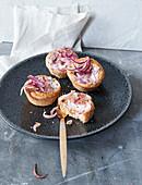 Onion cake muffins