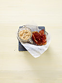Ham crisps with ajvar quark