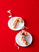 Weihnachtsplätzchen in Zuckerstangenform, mit Rosa Zucker
