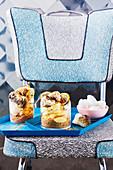 Zitronen-Marshmallow-Eisbecher mit Baiser