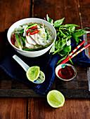Vietnamesische Hähnchen-Pho
