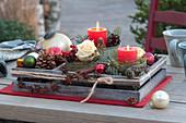 Weihnachtliches Tisch-Arrangement