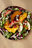 Autumnal salad with pumpkin, pear and blue cheese