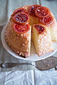 Angel food cake with blood oranges (USA)