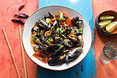 Thai curry with mussels and tomatoes