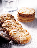 Cookies with almond flakes