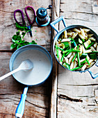 Penne with zucchini, green beans and cream sauce