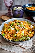 Gebratener Reis mit Kimchi, Schweinefleisch und Frühlingszwiebeln