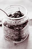 Maulbeeren im Glas