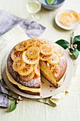 Joghurtkuchen mit Zitronencreme und kandierten Zitronen