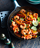 Mexican shrimps with limes and peppers