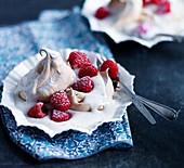 Meringue with raspberries, cream and yoghurt