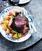 Roastbeef mit Karotten und Kartoffeln