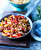 Chicken slices with peppers and onions (pasta sauce)