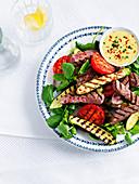Rindfleischsalat mit Zucchini, Tomaten und Brunnenkresse
