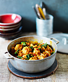 Cauliflower Dhansak with spinach (India)