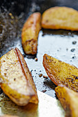 Oven-roasted spicy wedges