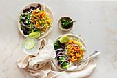Würzige indische Garnelen mit Reis